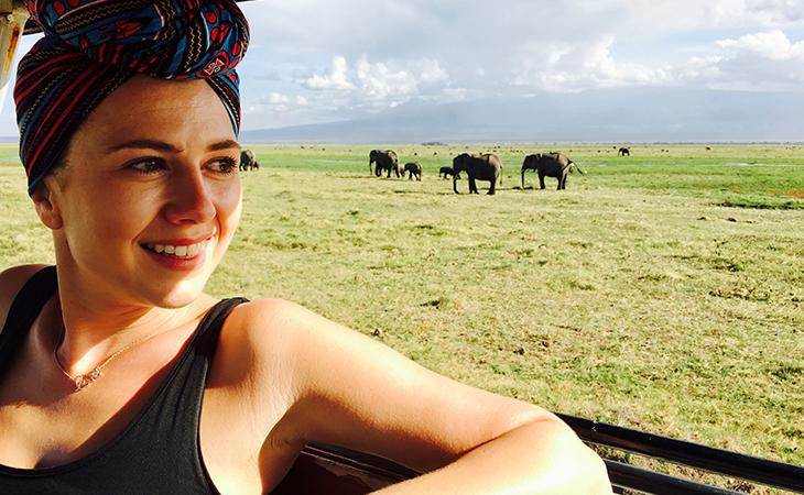 Anna a stádo slonov