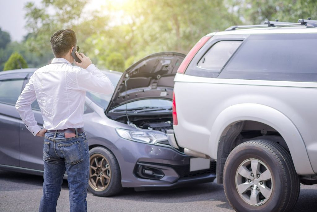 nehoda bez poistenia auta