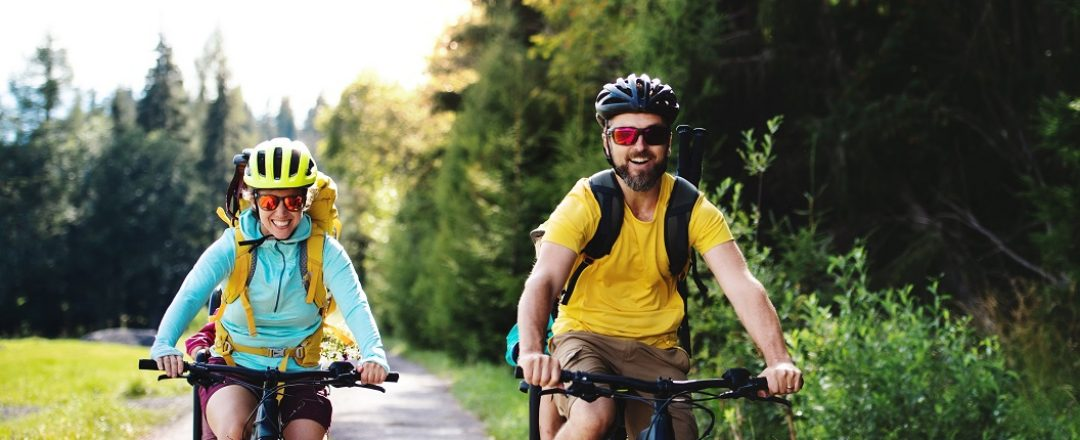 rodina cyklistov na výlete
